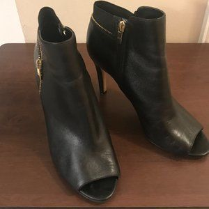 MARC FISHER- Serenity Ankle Boot Size 9